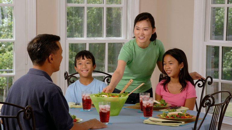 Защо са ни нужни семейните вечери